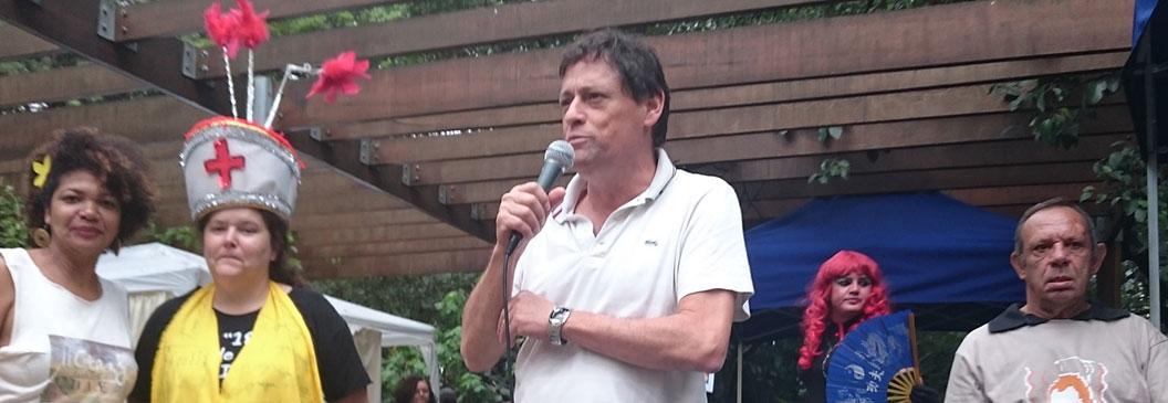 Secretário de Trabalho/SP, Artur Henrique, anúncia investimentos na ECOSOL em nossa Feira de Natal na Paulista