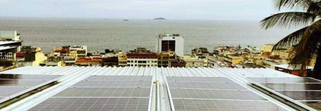 Cooperativa leva geração de energia solar para comunidade carioca