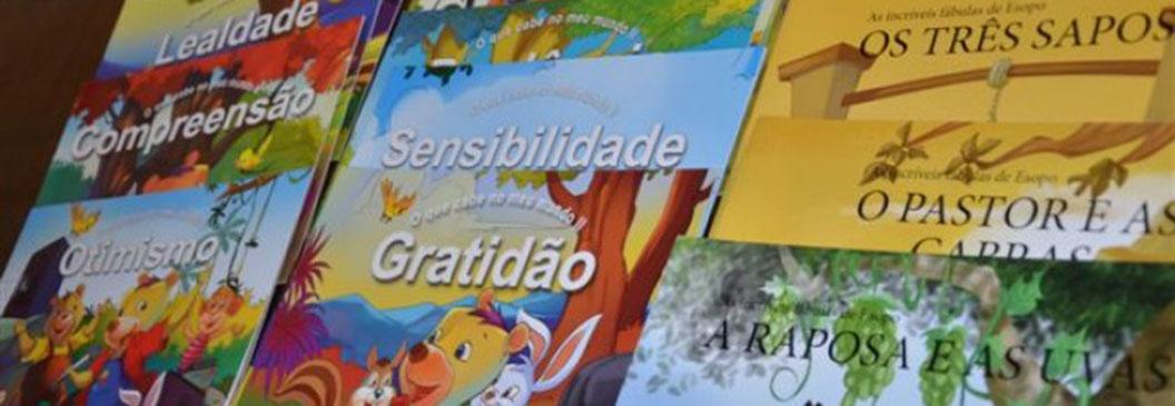 SICREDI FRONTEIRAS: Programa A União Faz a Vida entrega livros para incentivar a leitura